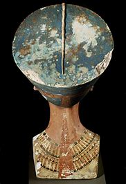 Nefertiti 23