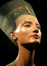 Nefertiti 3